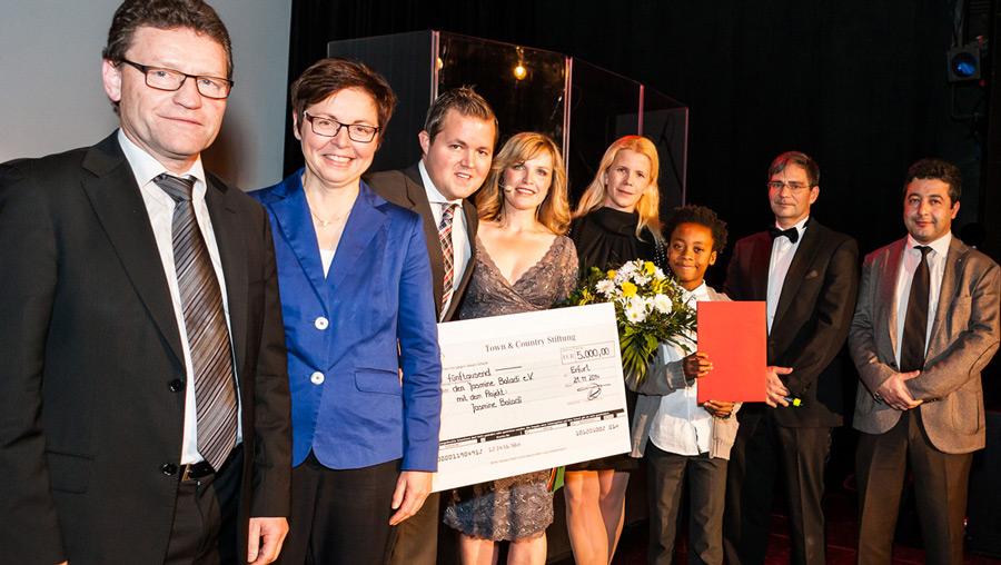 Mehr als 100.000 Euro für Kinderhilfsprojekte – Verleihung des 2. Town & Country Stiftungspreises an gemeinnützige Projekte