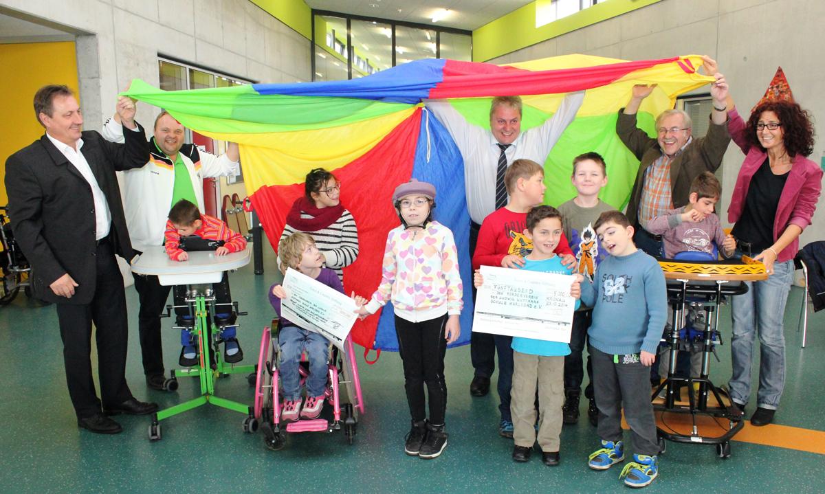 5.500 Euro für behindertengerechten Spielplatz in Kronau