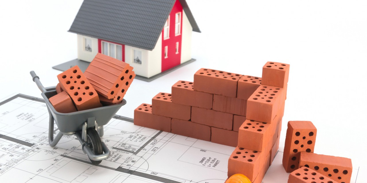 Mit dem Schlimmsten rechnen: Eine Bauleistungsversicherung schützt vor Risiken während der Bauphase