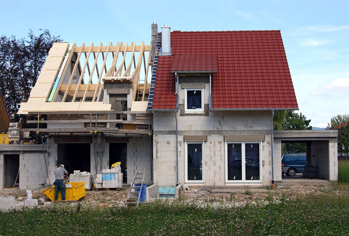 Gebraucht kaufen oder neu bauen – was lohnt sich mehr?
